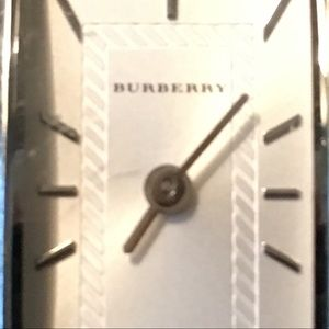 BURBERRY HERITAGE STAINLESS STEEL ANALOG WATCH